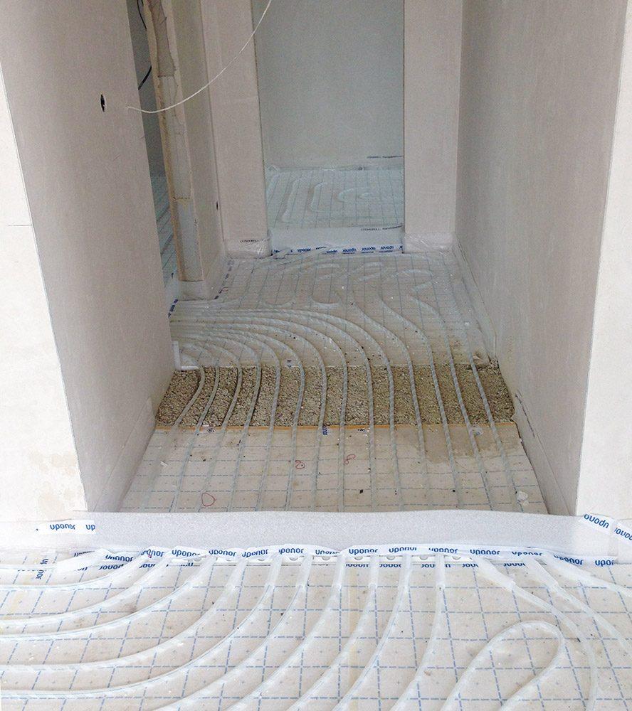 Fußbodenheizung klassisch mit Stufe